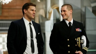 Bones 04x09 : The Con Man in the Meth Lab- Seriesaddict